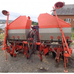 KUHN PLANTER II 6 RANGS